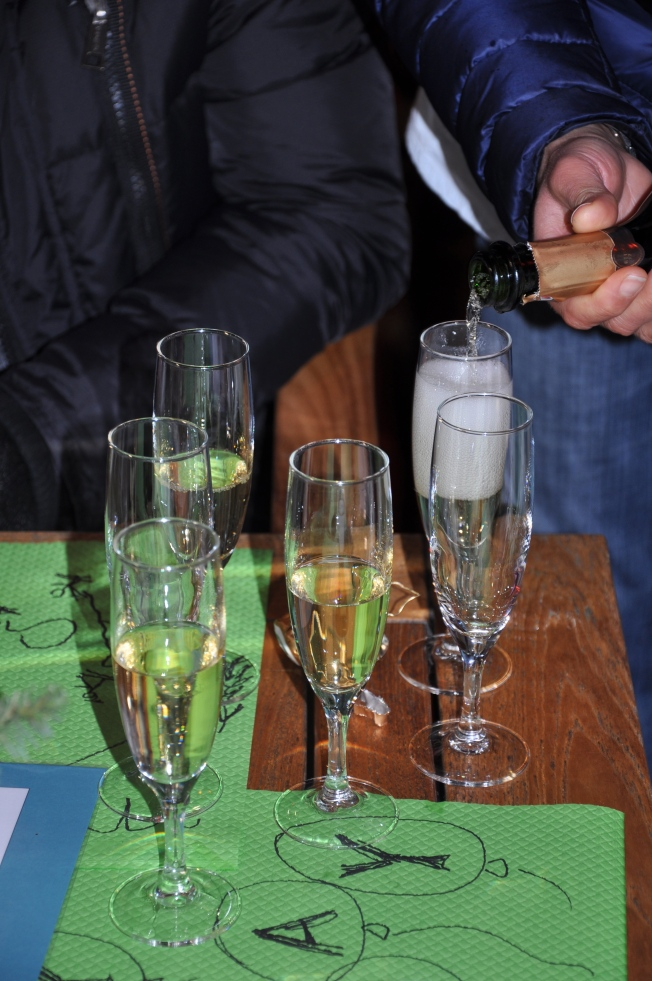 Having Champagne for an aperitif